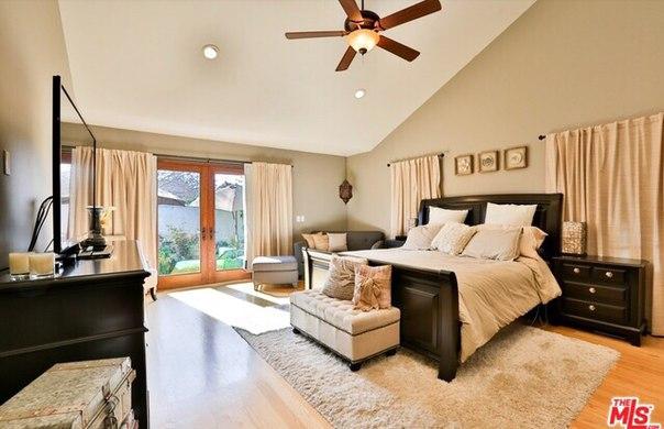 Меган Фокс продаёт свой дом в Калифорнии.