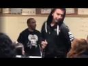 Учитель музыки арестован после того, как его поймали на видео за избиением студента