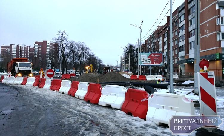 О запрещении движения по бульвару Космонавтов (правая сторона)