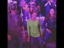 Дэннил танцует с мамой и братом в Портленле в 2015 из Инстаграма Дэннил