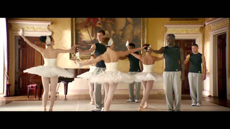 Citroën - Los jugadores del Arsenal bailan ballet con Citroën DS 5