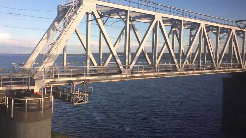 Волга из окна поезда (Зеленодольский жд мост)