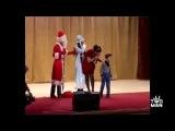 Приколы с Дедом Морозом. Я долго смеялся.