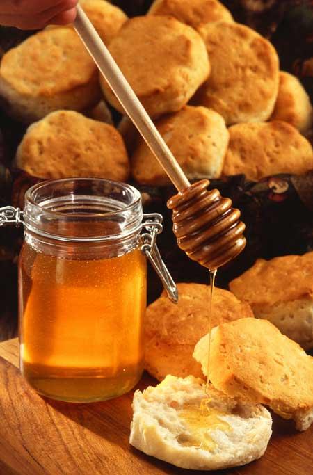 Безопасно ли есть мед во время беременности? Это, несомненно, имеет много питательной ценности и пользы для здоровья. Прочтите этот пост, чтобы узнать больше.