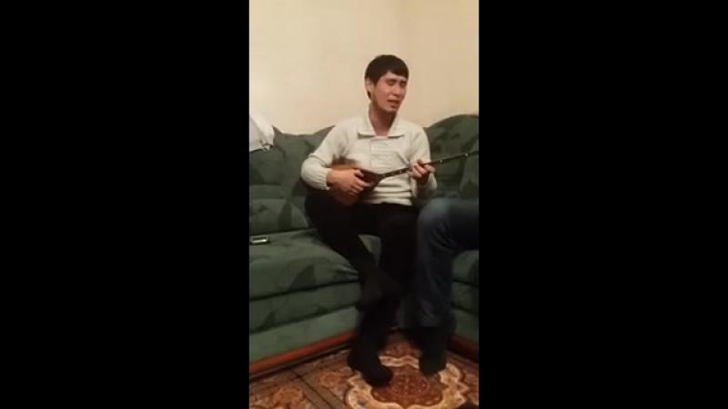 2yxa_ru_Sey_tov_Ayan_ral_Molzhanov_-_Es_e_men_al_aysy_Dombyra__GtOj6i_DNoU.mp4
