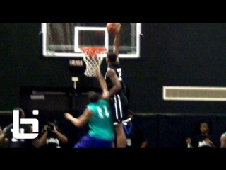 Shawn Marion Gets Dunked on At Nike Chi-League Pro Am!!