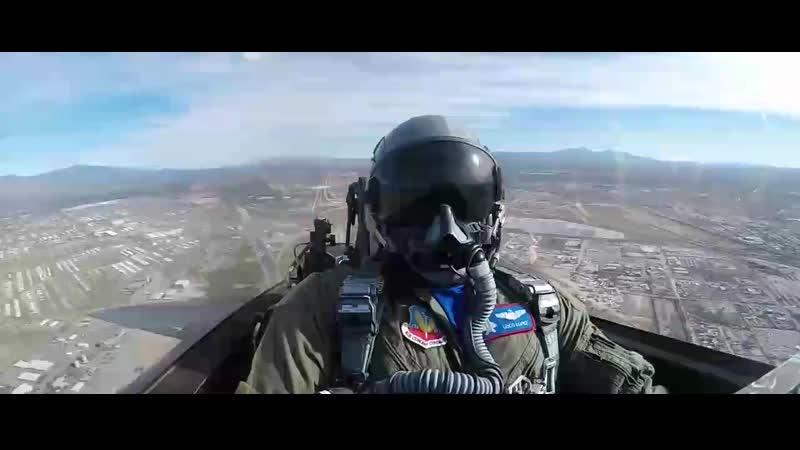 Пилотирование F 22A Вид из кабины