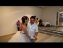 Свадебный танец с папой, очень трогательно...папина песня молодости, для него было неожиданно