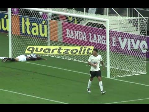 LANCE POLÊMICO Gustavo tem gol anulado para o Corinthians contra o Galo