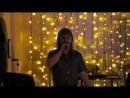 Любительское видео работы на очередном банкете у себя на любимой сцене.