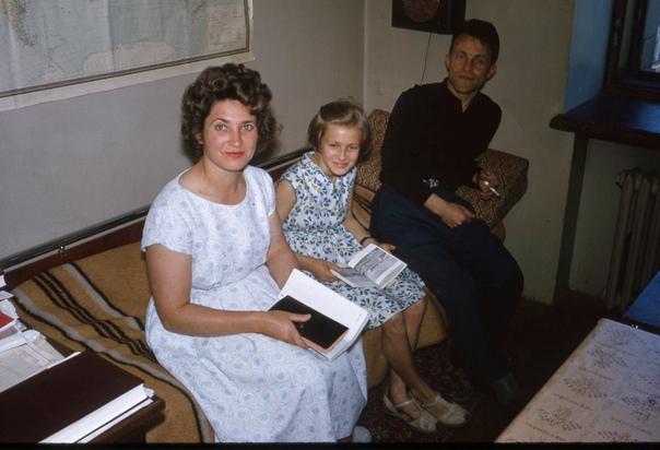 Серия фотографий о жизни в общежитии МГУ. 1964 год.