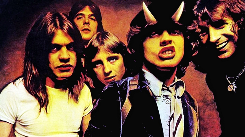 ACDC - Highway To Hell. Cover of Solo.