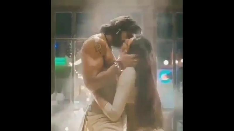 Kissing.video Bollywood