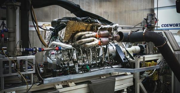 Двигатель гиперкара Aston Martin Valkyrie: 11 тысяч об/мин!