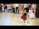 Видео покорившее весь мир Зажигательный танец юных бальников 1