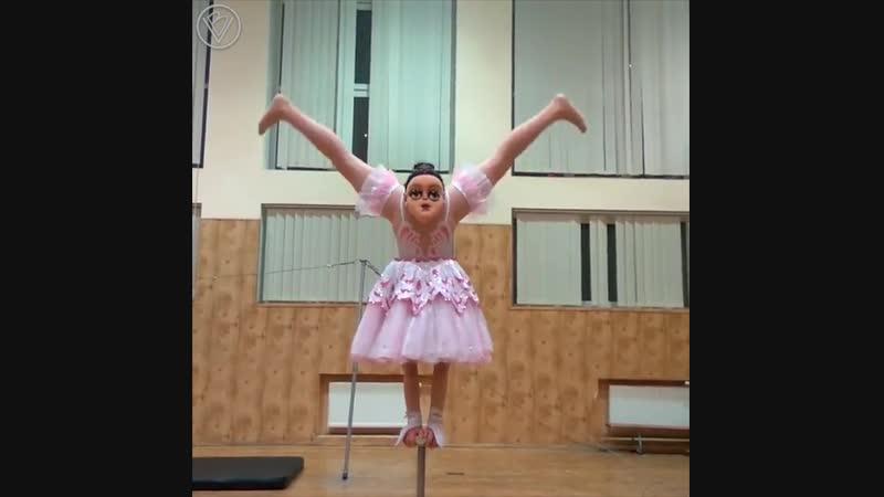 Необычный танец балерины
