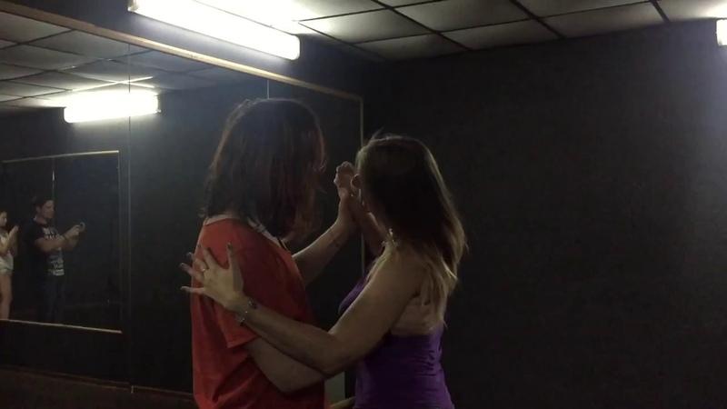 Бачата занятие в СПб Школа танцев QB Studio