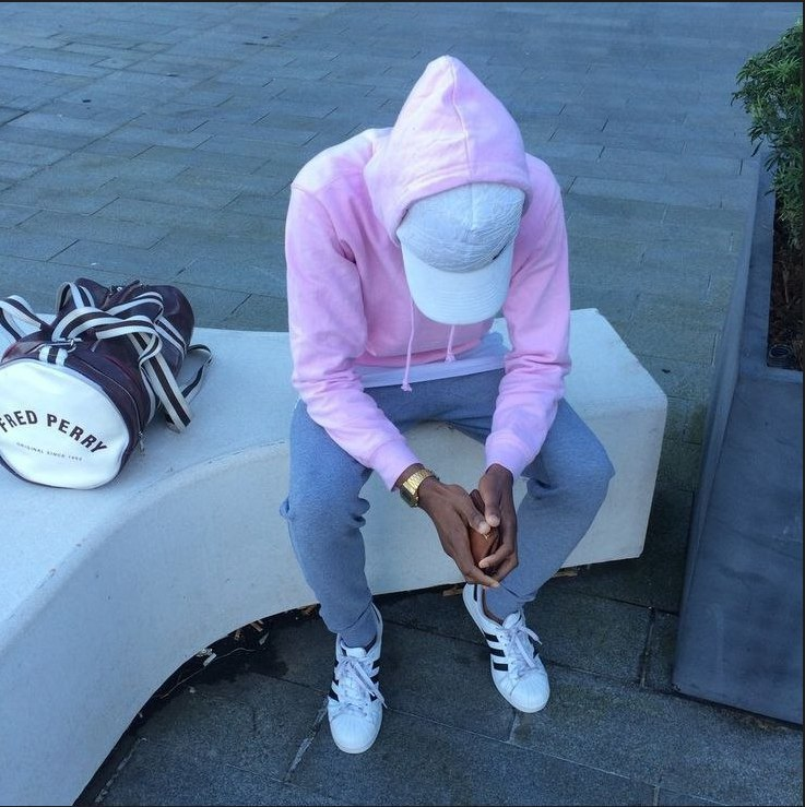 Розовое худи -