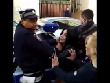 В Ростове полиции пришлось столкнуться с агрессивной компанией