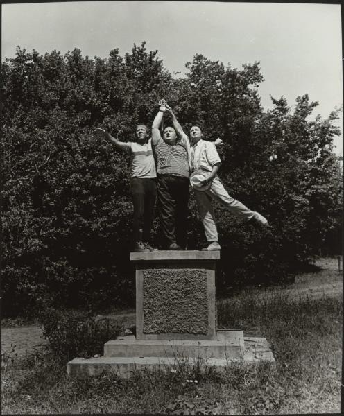 Фотография со съемок фильма «Кавкaзская пленница». Евгений Моргунов, Юрий Никулин, Гeоргий Вицин.СССР, 1966