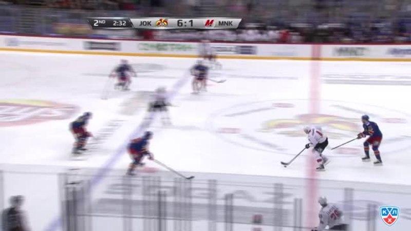 Моменты из матчей КХЛ сезона 1415 • Удаление. Сантери Саари (Йокерит) удалён на две минуты за атаку игрока, не владеющего шайбо