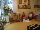 MVI_3304 вечерний киртан за здоровье Е С Джаяпатаки Свами Махараджа 14.08.18