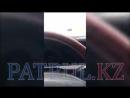 ОҚО да жылдамдықты асырған көлік жантүршігерлік жол апатына түсті видео 240