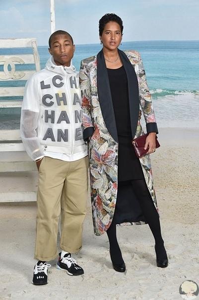 Неделя моды в Париже: показ Chanel