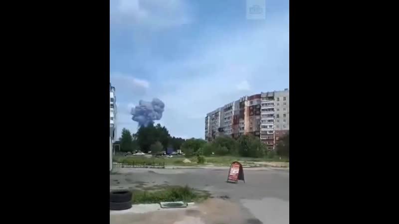 новостироссии rzn_life  Repost @ ntvru ・・・ В Дзержинске прогремело несколько взрывов. Рвануло в цехе по производству взрывчат