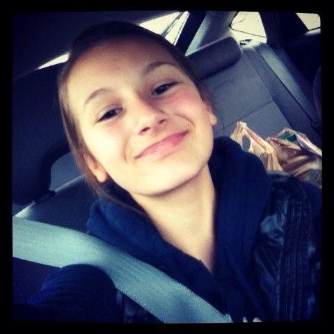 Eleonora Popova updated her profile picture: - bnKtubt75oM