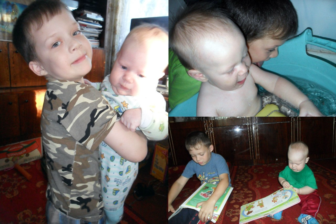 Сестрёнка играет с братиком в постели 4 фотография