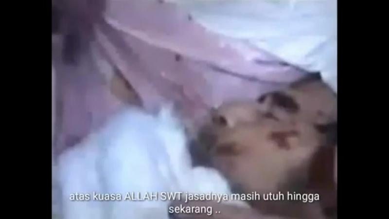 ✔ Вчера перезахоронили Саддама Хусейна, спустя 13 лет. На лице видны признаки Шахида. ●