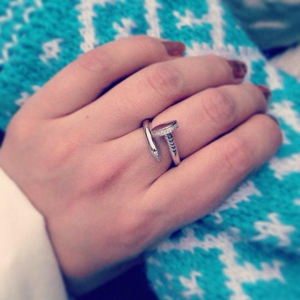 кольцо в виде гвоздя