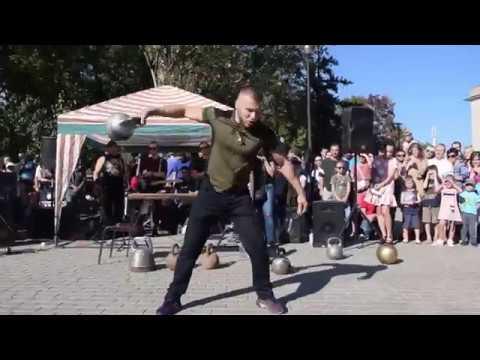 В Парке кованых фигур прошел ХХ фестиваль кузнечного мастерства и ІХ фестиваль «Рок-кузня»