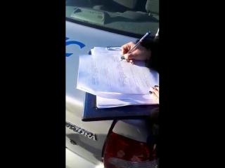 ДПС и полиция Красноярского края изымают наклейку в поддержку Грудинина, ч.2