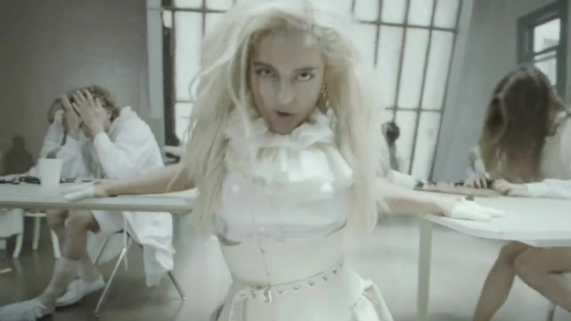 Bebe Rexha - I m A Mess (Official Music Video) 9 тыс.mp4