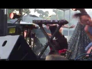 Grimes - Ya Vas Lyubil Live @ Pitchfork Chicago 2014