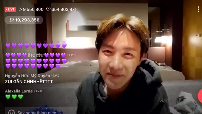 Hopekook reacting to their purple hearts is the softest video youll ever see
