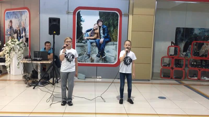 Коля Хрупов и Вика Онищенко - Нарисуй