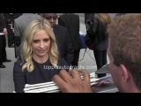 Sarah Michelle Gellar - Signing Autographs at the CBS Upfront Party in NYC