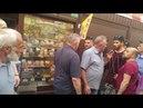 Полковник ВСУ защищал женщину от неадекватного торгаша! ( Киев м.Лесная рынок ролет A1-23 )
