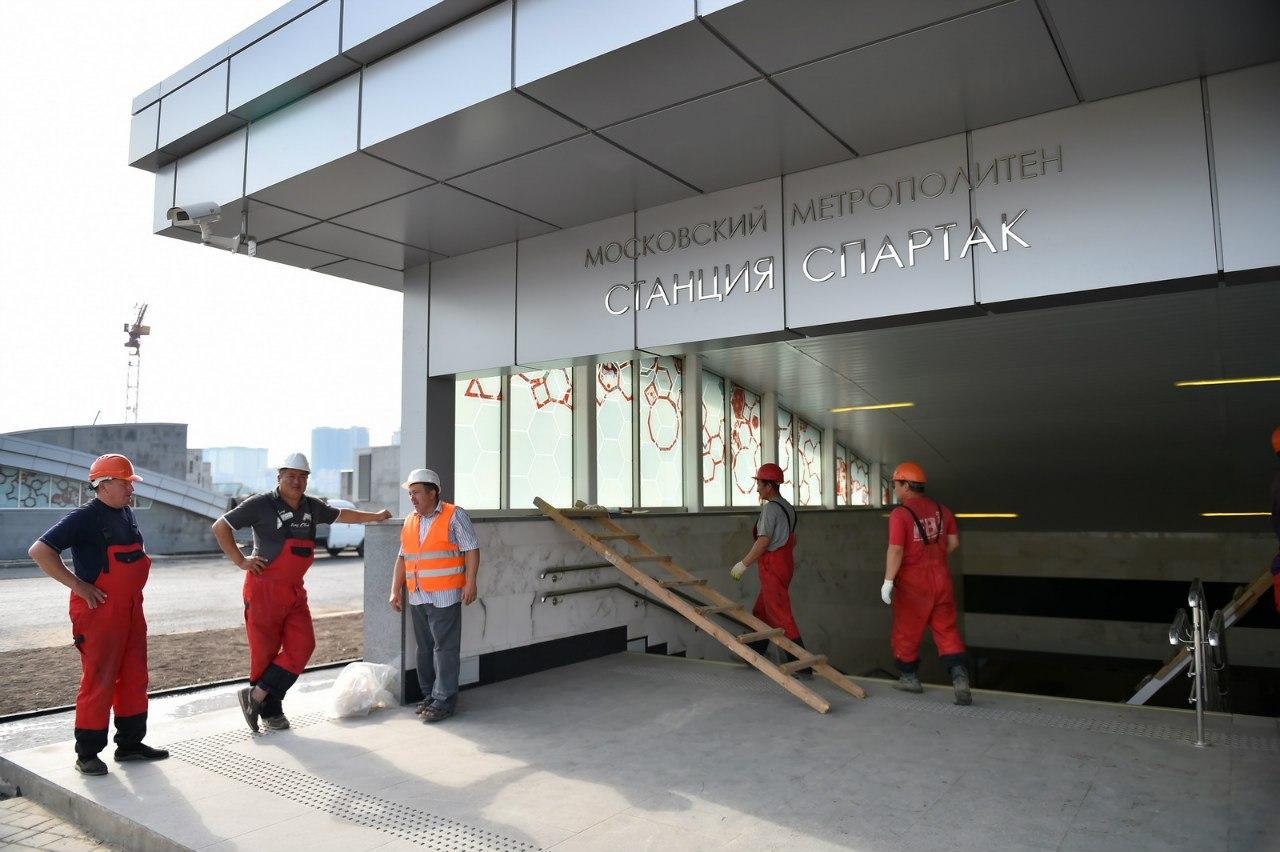 Строительство спартаковского стадиона «Открытие Арена» и станции метро «Спартак». Большой фотоотчет 2 августа 2014 года
