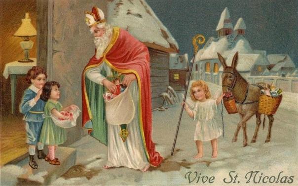ТРИ РОЖДЕСТВЕНСКИХ ДЕДА Олицетворением и главным символом Нового года в России уже многие годы остается Дед Мороз. В Европе же на Рождество подарки детям разносит его «брат» Санта Клаус. А