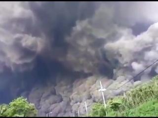 Мощное извержение вулкана в Гватемале 04.06.2018