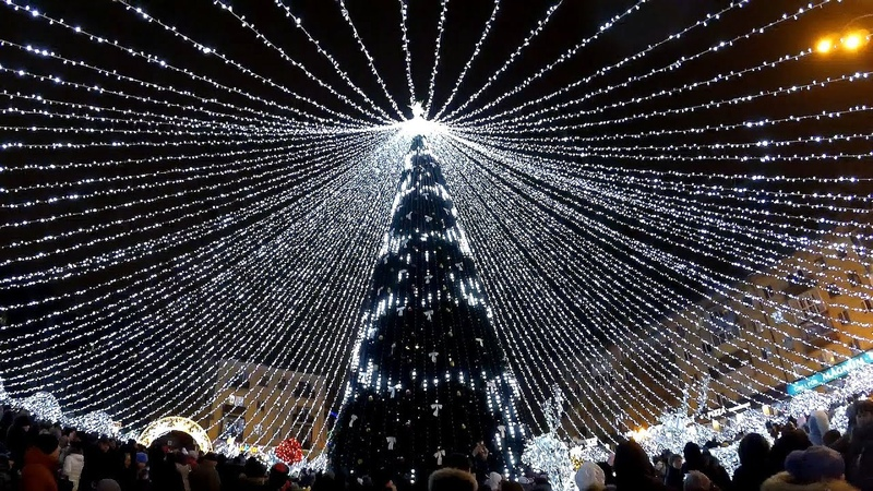 Полтава, Театральна площа, міська новорічна ялинка 2019