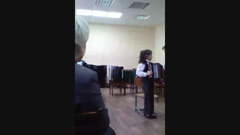 Школьный конкурс игры на народных инструментах. 11.11.2018 г. 1 место
