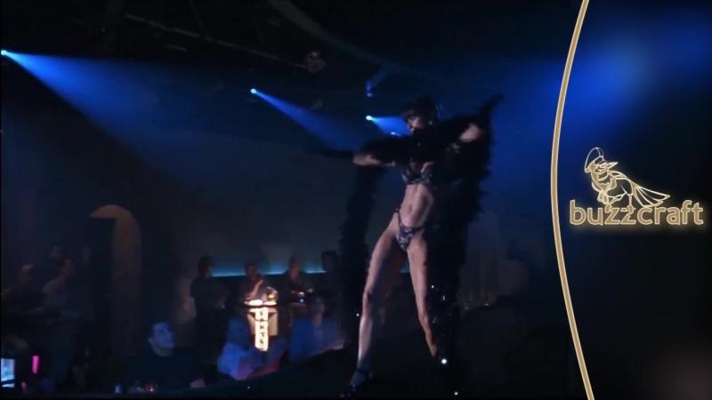 Demi Moore Striptease Dance