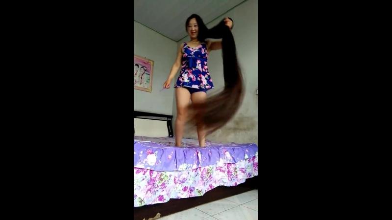 живут ещё девушки в китайских селеньях