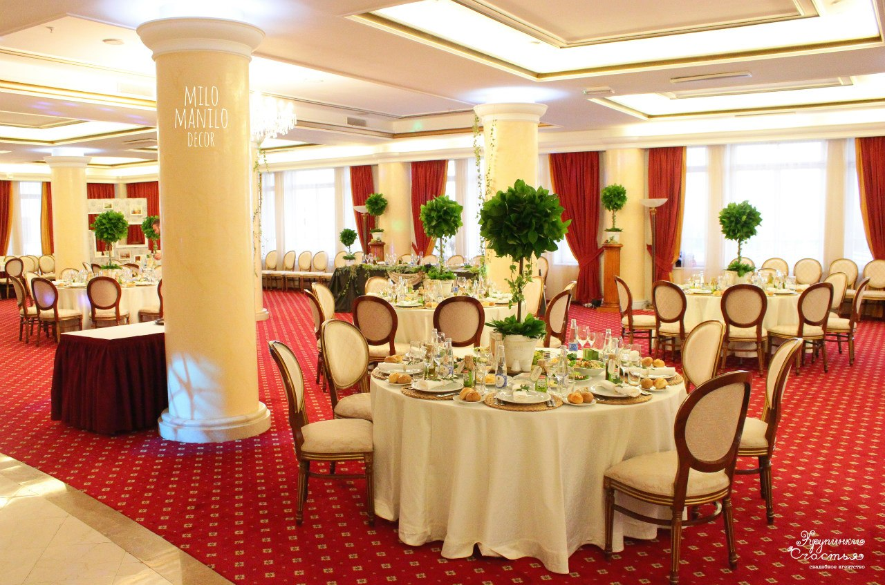 декор зала итальянской свадьбы