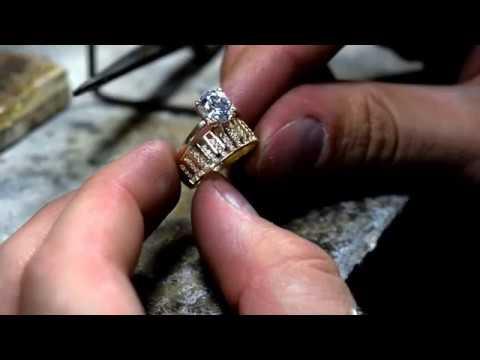 Micsorarescurtare inel din aur cu pietre cubic zirconia | Atelier Costin
